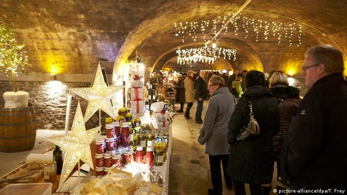 Germany Christmas market in the wine cellars in Traben-Trarbach (picture-alliance/dpa/T. Frey)