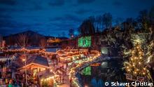 Deutschland Weihnachtsmarkt.Erster Weihnachtsmarkt öffnet In Essen