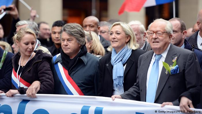 Frankreich Front National Familie Le Pen bei einer Demo (Getty Images/AFP/E. Feferberg)