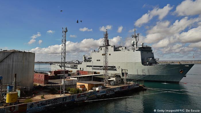 Dschibuti spanisches Kriegsschiff im Hafen