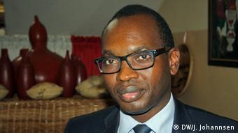 Burundi Bujumbura Willy Nyamitwe (DW/J. Johannsen)