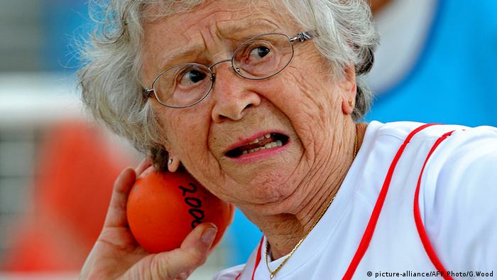 Olga Kotelko Kanada World Masters Games Kugelstoßen (picture-alliance/AFP Photo/G.Wood)