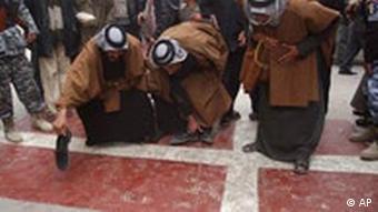 Muslims protesting the cartton in Iraq