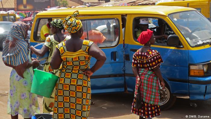 Guinea-Bissau Markt Taxi Frauen