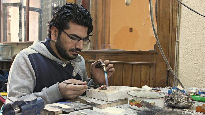 Bayram, kurdischer Silberschmied in der Stadt Mardin, Türkei (Foto: Christian Roman)