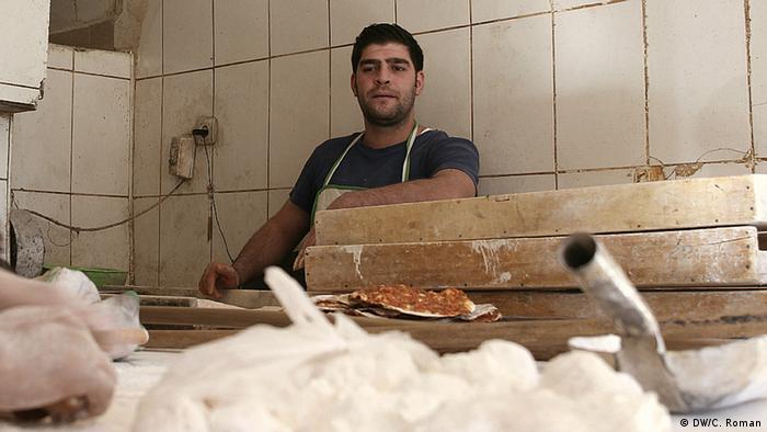 Emre, arabischer Bäcker in der Grenzstadt Mardin, Türkei (Foto: Christian Roman)