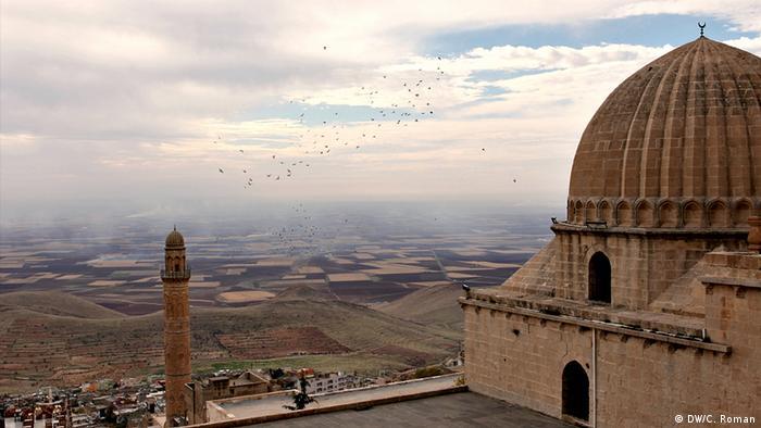 Blick nach Syrien von der türkischen Grenzstadt Mardin (Foto: Christian Roman)