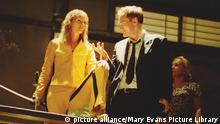 Kill Bill: Vol. 1 (US 2003) aka Quentin Tarantino's Kill Bill: Volume One aka Kill Bill: Volume 1 UMA THURMAN AND DIRECTOR, QUENTIN TARANTINO Picture from the Ronald Grant Archive Kill Bill: Vol. 1 (US 2003) aka Quentin Tarantino's Kill Bill: Volume One aka Kill Bill: Volume 1 UMA THURMAN AND DIRECTOR, QUENTIN TARANTINO Kill Bill: Vol. 1 (US 2003) aka Quentin Tarantino's Kill Bill: Volume One aka Kill Bill: Volume 1 UMA THURMAN AND DIRECTOR, QUENTIN TARANTINO Picture from the Ronald Grant Archive Date: 2003 (Mary Evans Picture Library) Copyright: picture alliance/Mary Evans Picture Library