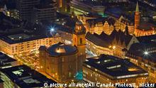 Frankfurt bei Nacht Paulskirche