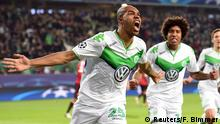 Football Soccer - VfL Wolfsburg v Manchester United - UEFA Champions League Group Stage - Group B - Volkswagen-Arena, Wolfsburg, Germany - 8/12/15 Naldo celebrates after scoring the first goal for Wolfsburg Reuters / Fabian Bimmer Livepic EDITORIAL USE ONLY.