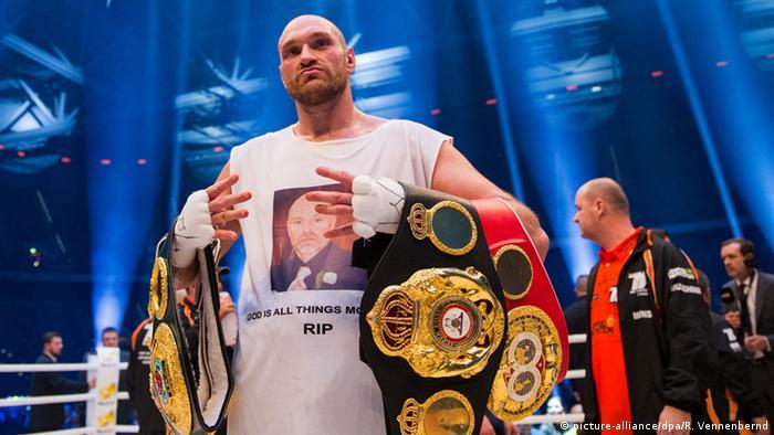 نجم الملاكمة البريطاني تايسون فيوري