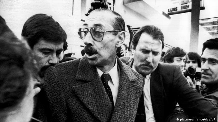 Jorge Videla comparece ante la Justicia argentina el 5 de junio de 1984.