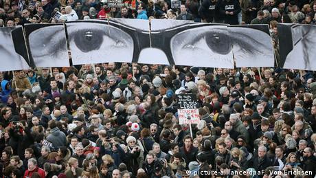 Frankreich Stephane Charbonnier Banner Augen