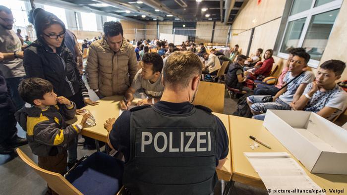Регистрация беженцев в Баварии (фото из архива)