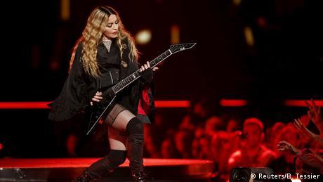 Frankreich Konzert von Madonna in Paris