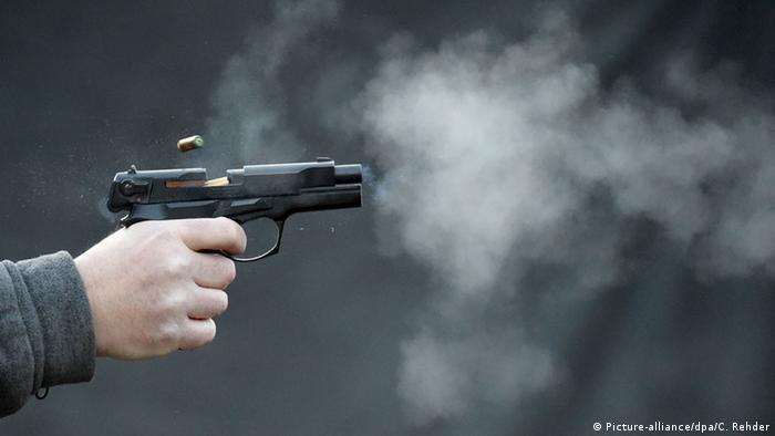 A gas pistol (Picture-alliance/dpa/C. Rehder)