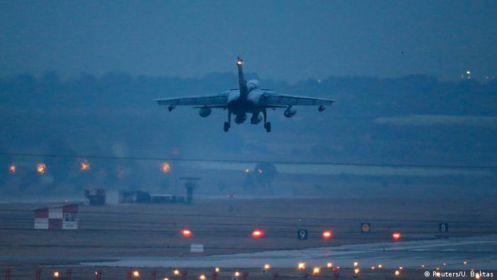 Deutschland Syrien-Einsatz Tornado Aufklärungsflugzeug Landung in Incirlik
