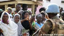 Zentralafrikanische Republik Menschen in der Hauptstadt Bangui UN Blauhelme