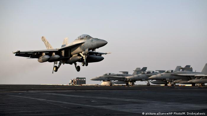 Symbolbild - Syrien US Kampfflugzeug