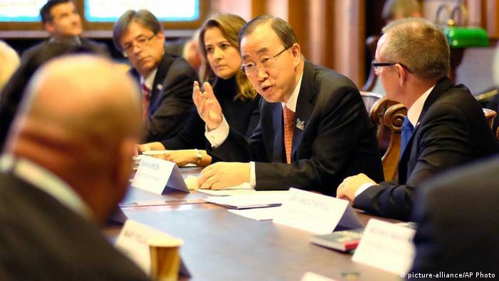 O secretário-geral da ONU, Ban Ki-moon, durante reunião com outros líderes em Paris