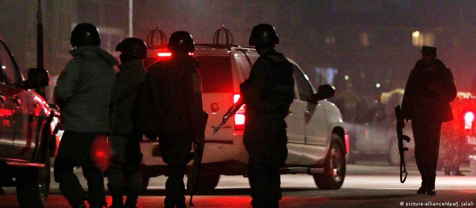 Forças de segurança buscam envolvidos no ataque a bomba