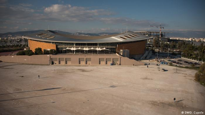 Taekwondo Stadium in Athens, an Olympic stadium converted into a refugee shelter that was hosting approximately 2,000 people on Friday afternoon (Photo: DW/Diego Cupola)