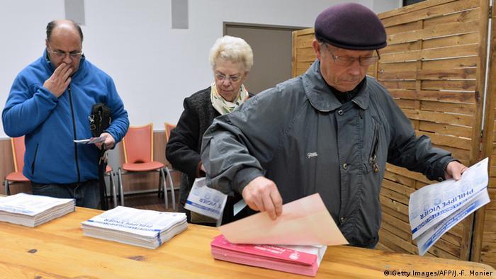 Frankreich Zweite Runde der Regionalwahlen 2015