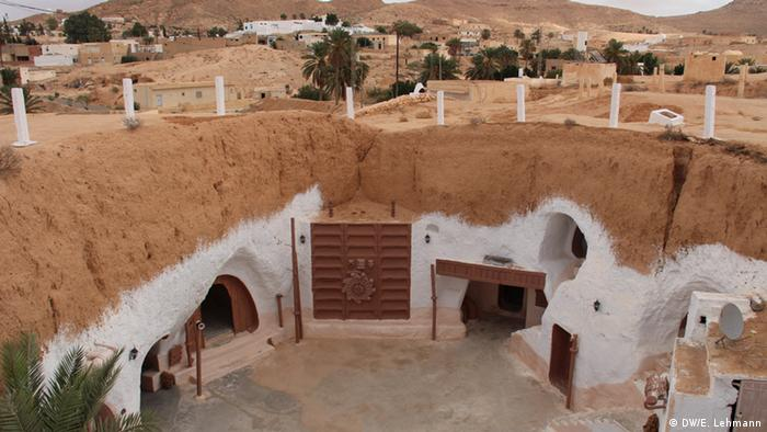 White hotel underground in Tunisia (Copyright: E Lehmann)
