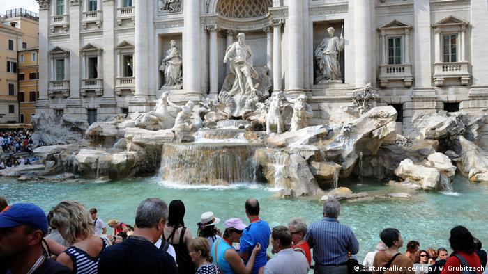 Italien - Trevi-Brunnen in Rom (picture-alliance/ dpa / W. Grubitzsch)