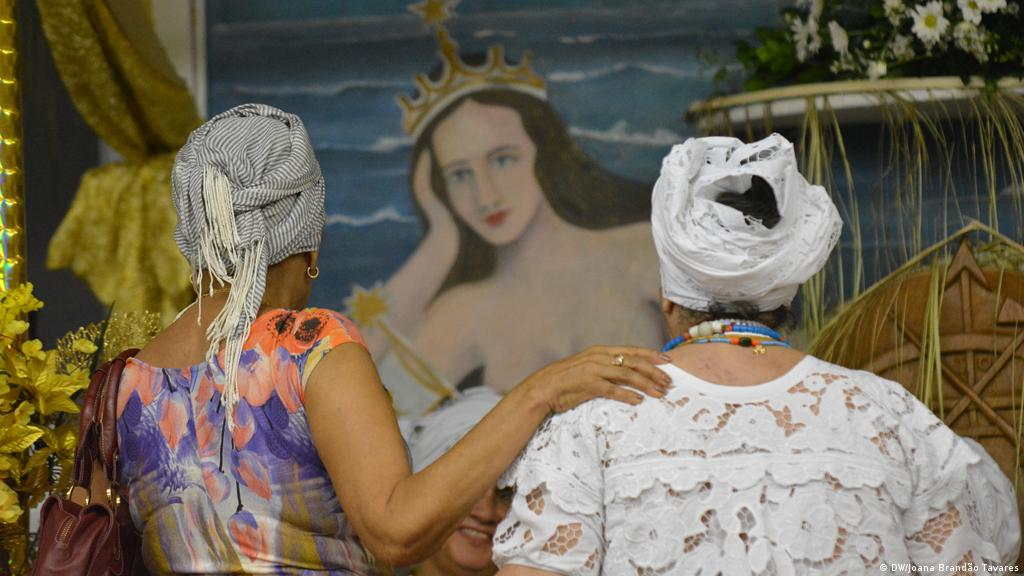 Qual será o motivo da perseguição do Candomblé no Brasil
