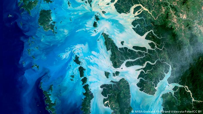 Earth observation image of southern Myanmar as captured by Landsat 5, a low-Earth satellite