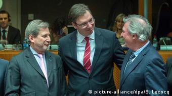 Єврокомісар Йоганнес Ган, прем'єр Сербії Александар Вучіч та глава МЗС Люксембургу Жан Ассельборн під час відкриття перемовини щодо вступу