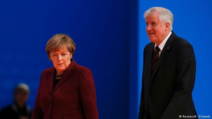 Deutschland CDU Parteitag Horst Seehofer und Angela Merkel