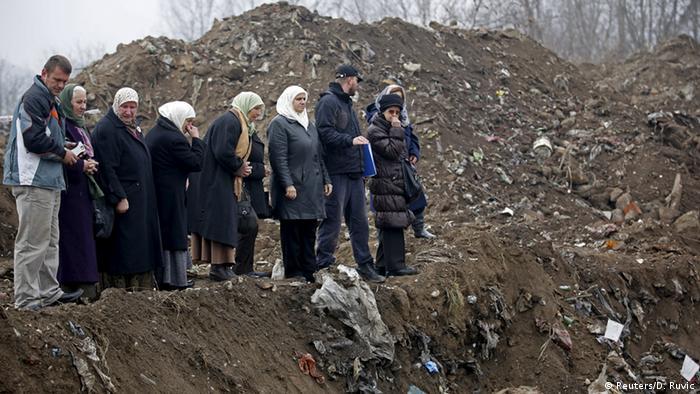 Bosnien Herzegowina neue Massengräber bei Zvornik (Reuters/D. Ruvic)