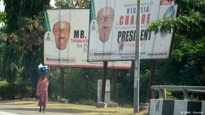 Buhari billboards (photo: DW/K. Gänsler)