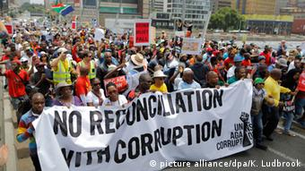 South Africans protests (picture alliance/AA/A. Hendricks)
