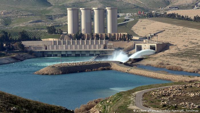 Irak Staudamm in Mossul (picture-alliance/Anadolu Agency/E. Yorulmaz)