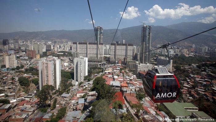 Panorama Venezuela Caracas (picture-alliance/dpa/D. Fernandez)
