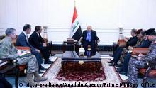 16.12.2015 *** BAGHDAD , IRAQ - DECEMBER 16: US Defense Secretary Ash Carter (3rd L) meets with Iraqi Prime Minister Haider al-Abadi (C) in Baghdad, Iraq on December 16, 2015. Pool / Prime Ministry ffice / Anadolu Agency picture-alliance/Anadolu Agency/Prime Ministry Office