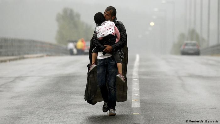 Griechenland Flüchtlinge auf dem Weg nach Mazedonien (Reuters/Y. Behrakis)