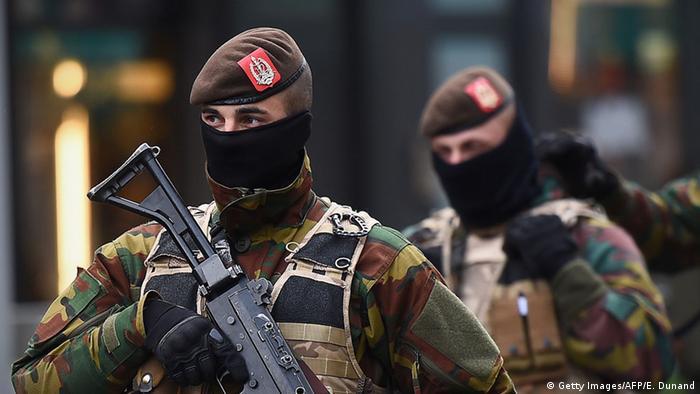 Belgien Brussels Polizei Anti Terror Polizisten