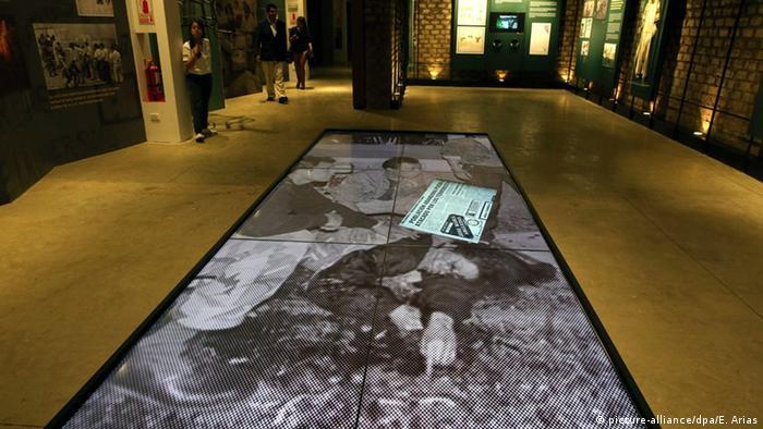 Peru Einweihungsfeier der Ort der Erinnerung