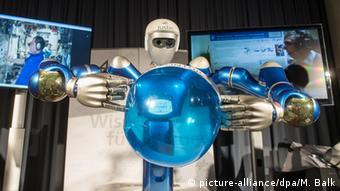Deutschland Forschung Roboterprojekt Tele-Handshake - SpaceJustin