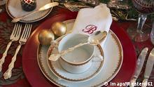 Weihnachtliche Tafel mit Stoffserviette
