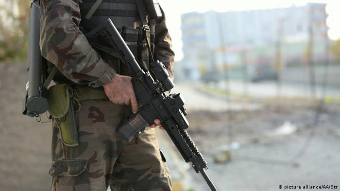 A Turkish soldier in south-eastern Turkey fighting the PKK (Photo: Picture Alliance)