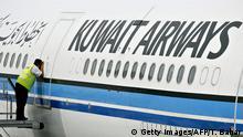 Kuwait Airways Fluggesellschaft Schriftzug Flugzeug