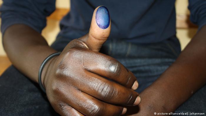Ruanda Volksabstimmung über Zukunft von Präsident Kagame