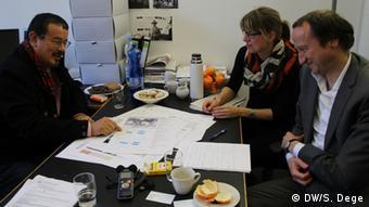 Ельзер (праворуч): Ми хочемо вивчити, як архітектура може допомогти перетворити біженців на поселенців