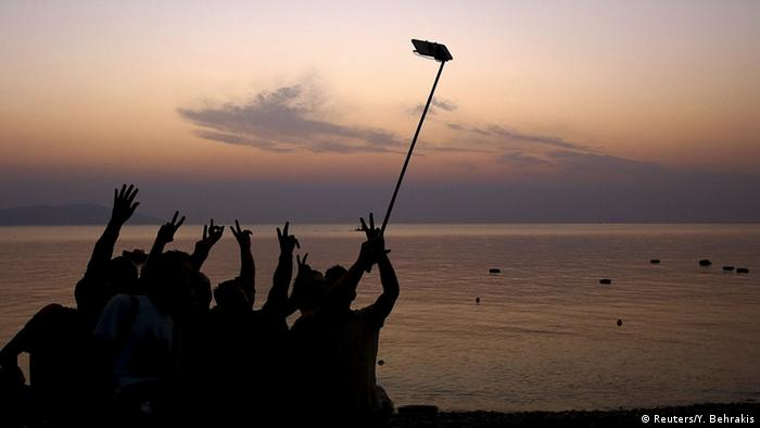 Selfies de refugiados sírios à chegada à costa grega