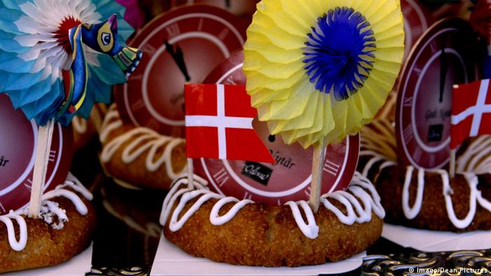 photo of almond cake with Danish flag